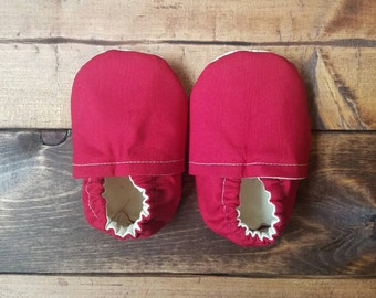 3-6 month red baby shoes, infant moccasins, crib shoes, baby booties.