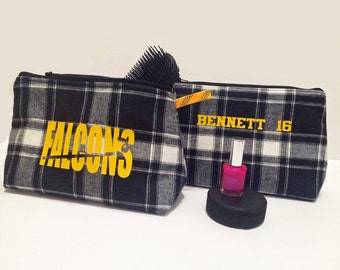 Personalized hockey team gift for 10 or more players; girls hockey gift; toiletry bag; make up case;