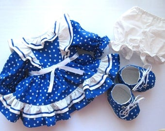 Clothing for dolls (dress, bloomers, stockings and shoes)