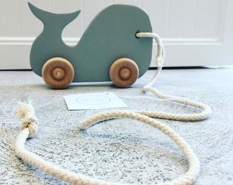 Pull along whale
