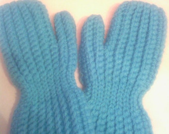 Light blue crocheted mittens for 5-7 year old,old fashoined mittens,winter accessories,handmade,ready to go