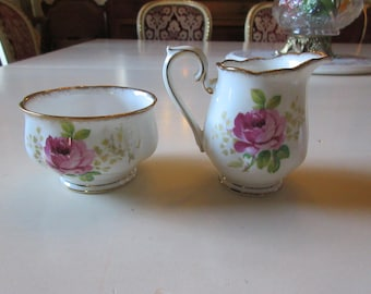 ENGLAND ROYAL ALBERT Cream and Sugar Set