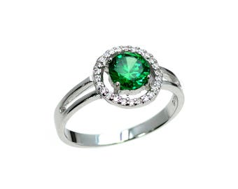 Stunning Emerald Girls Or Pinky Ring With White Sapphire .925 Sterling Silver