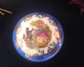 Pretty Limoges trinket pot . Fragonard