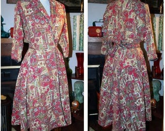 Vintage 1940s Cotton Wrap Dress in Reds  with Piping- Full Skirt and Coverage!- Comfy Robe Day Dress