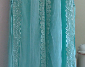 Vintage Negligee and Chiffon Robe from the 1950s/Aqua