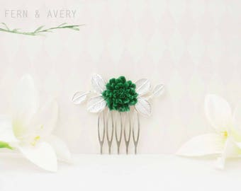 Emerald green and silver flower comb. Wedding hair clip, bridal, hair clip, hair leaves, vintage hair