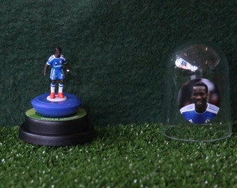 Didier Drogba (Chelsea) - Hand-painted Subbuteo figure housed in plastic dome.