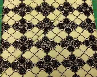 He Still Loves Me fabric. Green Black medallion diamond chain link quilters cotton quilting Benartex 1735