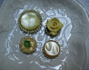 Vintage Magnet Set, Vintage Jewelry, Set of 4, Upcycled Vintage, Jewelry Magnets, Fridge Magnets, Costume Jewelry Magnets, Fridge Bling  /1