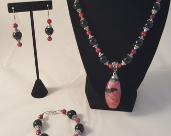Black & Red Jewelry Set - Red Stone Pendant Necklace - Red Necklace - Black Necklace - Red Earrings - Beaded Necklace -Red Bracelet -Jewelry