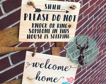Door Sign, Welcome Sign, Baby sleeping Sign, wood sign, wooden sign, reversible sign, Do not disturb sign, wreath sign