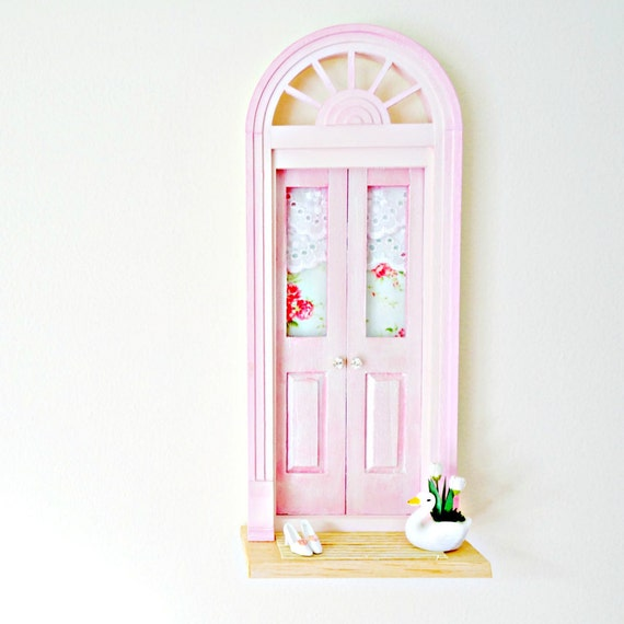 Ooak pink fairy door shiny pink fairy door miniature for Pink fairy door