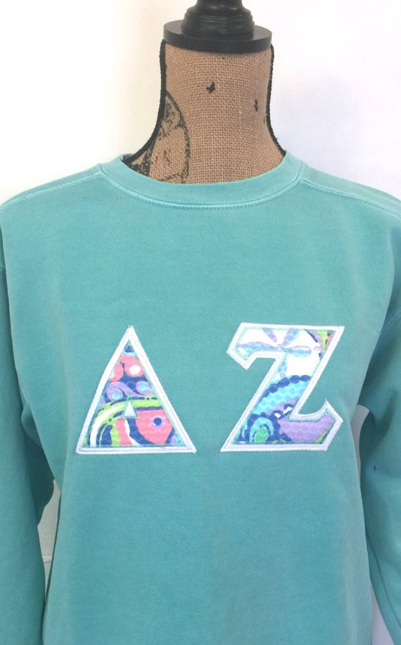 greek letter shirt lilly pulitzer letter appliqu 233 any letters comfort 22042