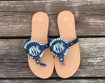 FREE SHIPPING, Monogrammed Sandals, Monogrammed Flip Flops, Personalized Sandals, Personalized Flip Flops, Bride Flip Flop, Disc Sandals