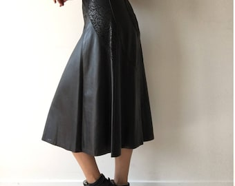 Vintage size Med full A-line flared quality black leather lined maxi length highwaisted high rise edgy minimalist feminine indie patchwork