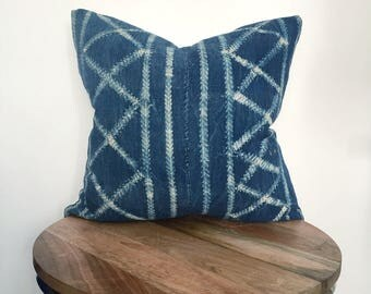 "19"" Criss Cross Indigo Pillow"