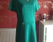 Green Dress, size 14/16. Vintage 1970s. 1970s dress.