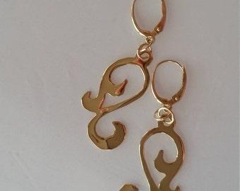 14 kt Yellow Gold Scroll Swoop Earrings