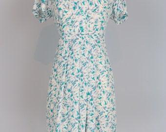 1950s Dress - Vintage Tie Neck Floral Midi Day Dress - S/M - Pleated - Shift Dress - Short Sleeve - Blue White - Full Skirt - Mad Men Style