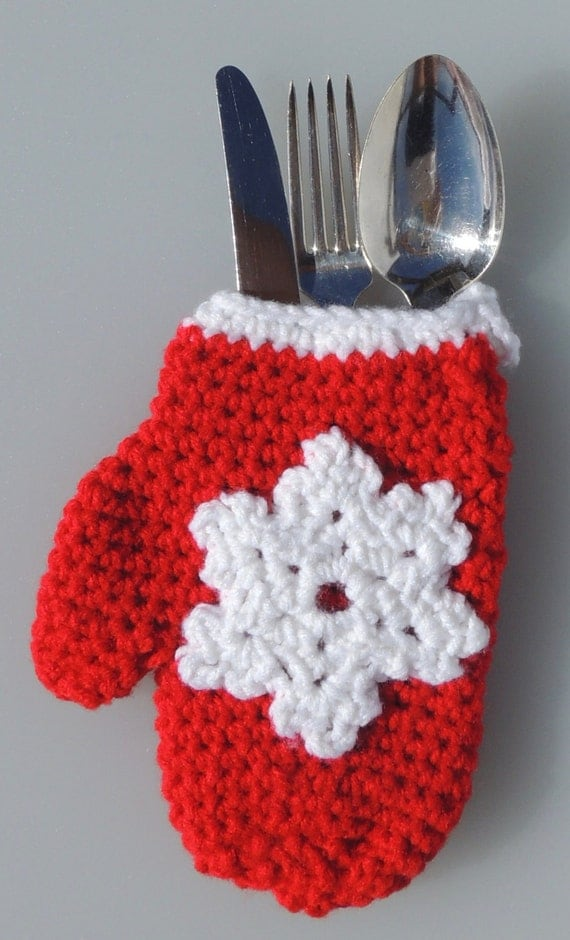Knitting Pattern For Christmas Cutlery Holder : Items similar to Crochet Mitten Pouch, Crochet Christmas Gift Card Holder, Cr...