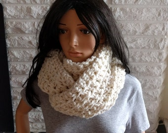 Women's chunky oversized circle scarf, women's ivory infinity scarf, cream scarf, gifts for her, accessories, fall, winter, spring fashion