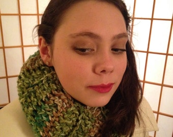 Crocheted Ribbed Infinity Scarf in Forest