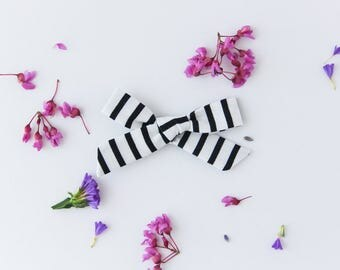 Black and White Stripe Amelia Hand Tied Bows, Hair Clip, Hair Bow, Toddler Bows, Hair Clips, Girl Hair Bow, Hair Accessories