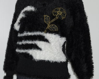 Vintage embroidered black and white sweater Size 36-38 FR