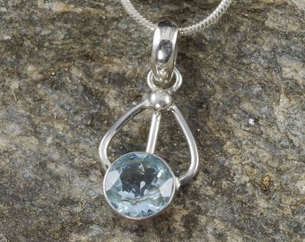 2.8cm BLUE TOPAZ Pendant - Sterling Silver Pendant, Blue Topaz Jewelry Making, Blue Topaz Necklace, Blue Topaz Stone, Topaz Crystal J0502