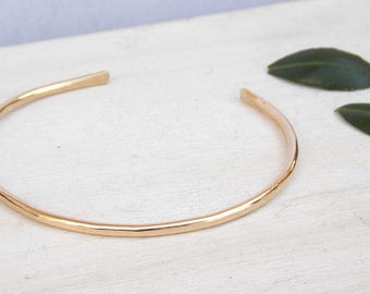 Hammered gold cuff, 14kt gold filled bracelet, gold bangle, stacking bangle, minimalist bracelet, hammered gold bangle, thin gold bracelet