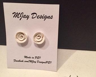 white rose bud stud earrings