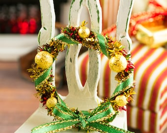 Gold, Green and Red Christmas Wreath - 1:12 Dollhouse Miniature