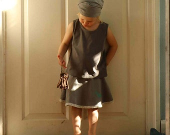 Skirt made of linen with a favourite motif (grey)