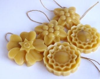 Beeswax scented ornament, air freshener, rustic ornament or gift tag 5 pack, natural home decor style decoration, no added fragrance.