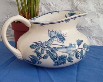 Antique French faïence pitcher, water jug by Gien.