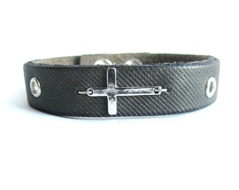 Mens cross bracelet, leather bracelet men, leather cross bracelet, gray leather bracelet mens, cross bracelet, italian jewelry