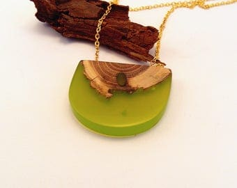 Epoxy resin necklace wood and resin green necklace resin pendant acacia pendant wood necklace wood pendant resin jewelry