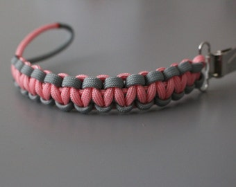 Paracord Binky Clip, Solomon's Knot, Custom Colours