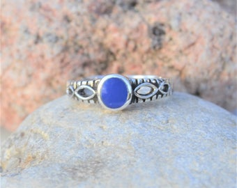 Vintage Sterling Silver Ring, Blue Ring, Round Stone Ring, Blue Stone Ring, Stacking Ring, Dainty Ring, Size 6, Small Ring, SweetVintageTX