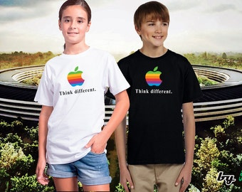 Think Different Colorful Rainbow Vintage Apple OSX Macintosh Mac Logo VINYL High Quality Kid T-shirt Computer Geek Cool Tee Gift Present
