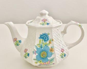 30% SALE! Vintage trellis teapot with blue flowers, Sadler, 1950s