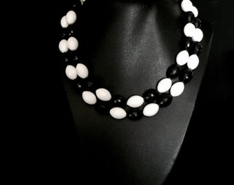 50's 2 Strand Black and White Faceted Bead Necklace    VG2444