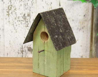 Small Decorative Wooden Birdhouse With Rustic Tin Roof (4 Assorted Colors) Red, Natural, Gray, Green
