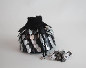 Dice Bag - Black and White Dragon Egg Pouch- Scalemail Crocheted Bag of Holding - Coin Purse - DnD