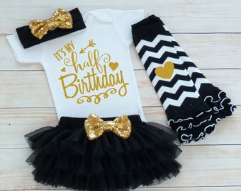 6 Month Birthday, Baby Half Birthday Shirt, Half Birthday Bodysuit, Cake Smash Outfit, Half Birthday Outfit Girl, Half Way To One Outfit,