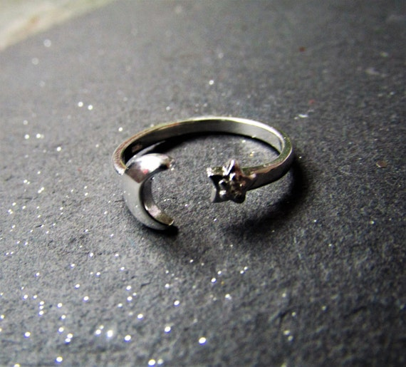 Sterling Silver Moon and Star ring, Silver adjustable ring, Moon ring, Resizable ring, Moon and star ring, Sterling Silver Moon Ring