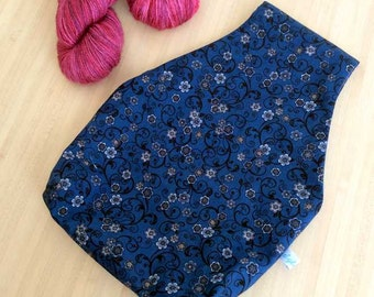 Very nice bag knitting or crochet mobile - pouch with flowers for your stock
