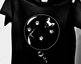 T-shirt cats and dogs-dogs and cats. Gino cat and friends