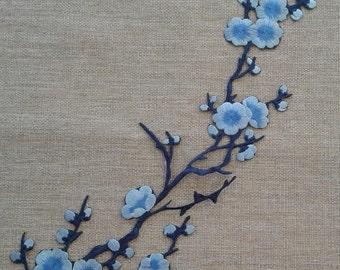Blue flower patch applique